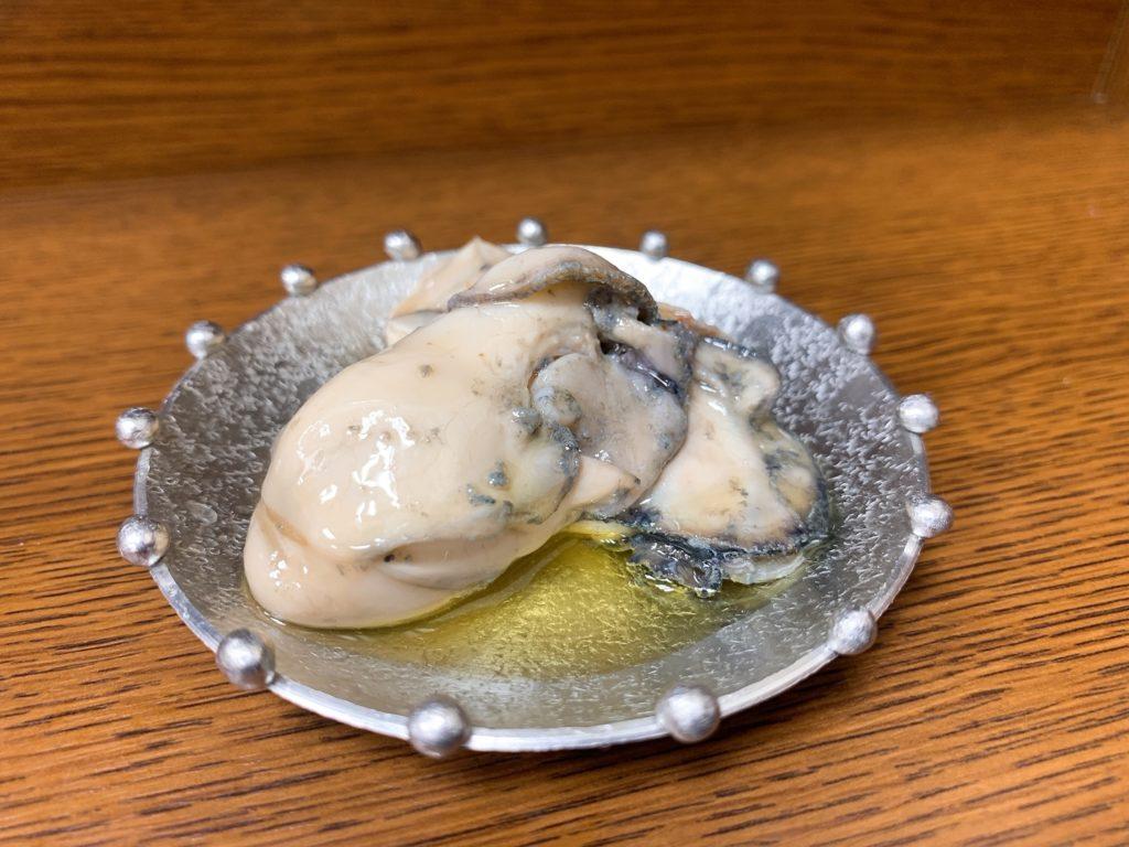 発芽そばゆきの牡蠣のオイル漬け