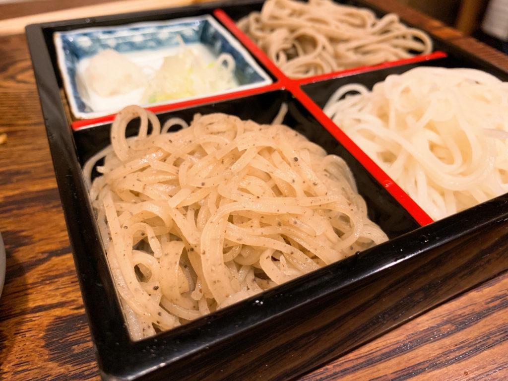 和邑の三色盛り蕎麦