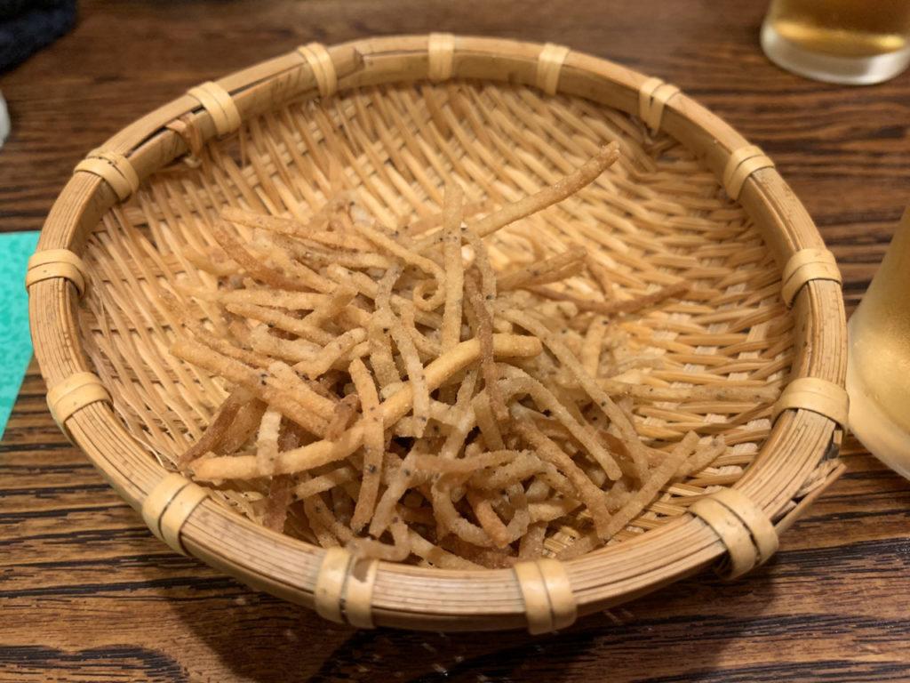 お通しの揚げ蕎麦